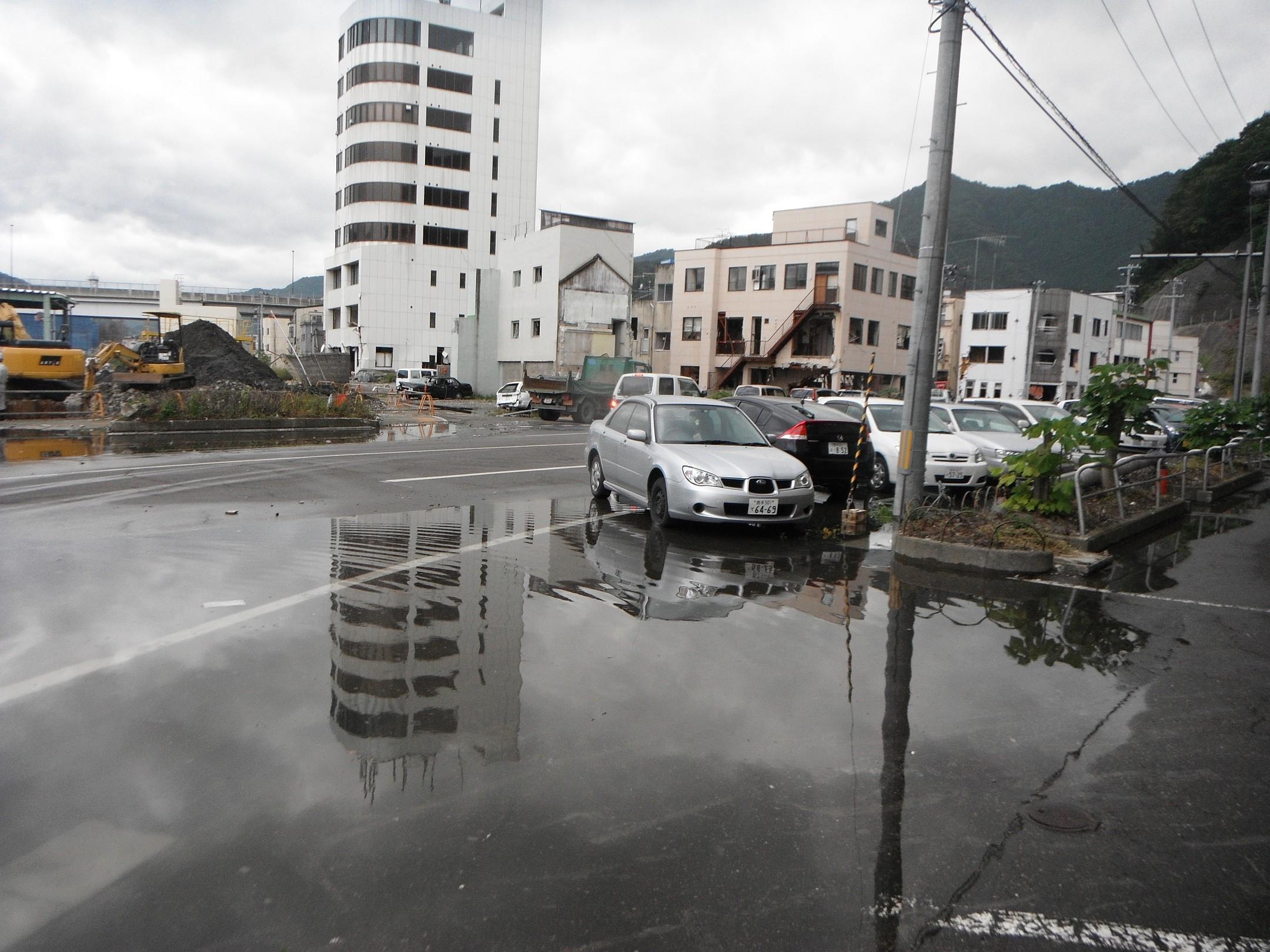 市営ビル、市役所方向、冠水