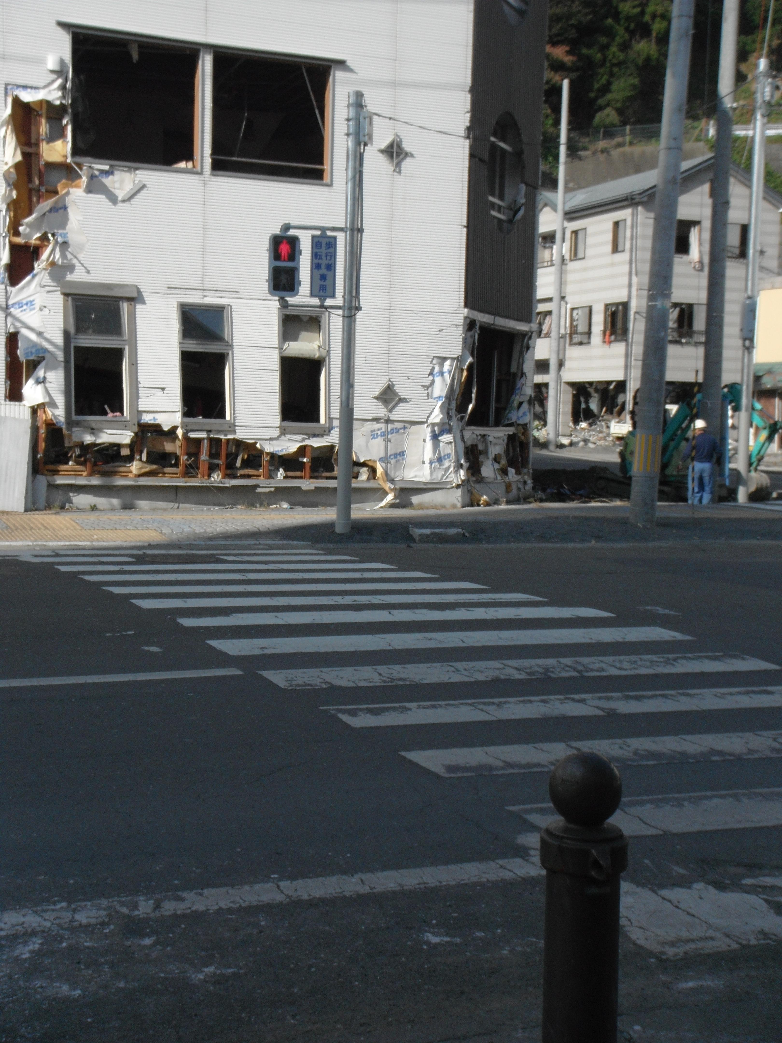 浜町 歩道も信号機 復活