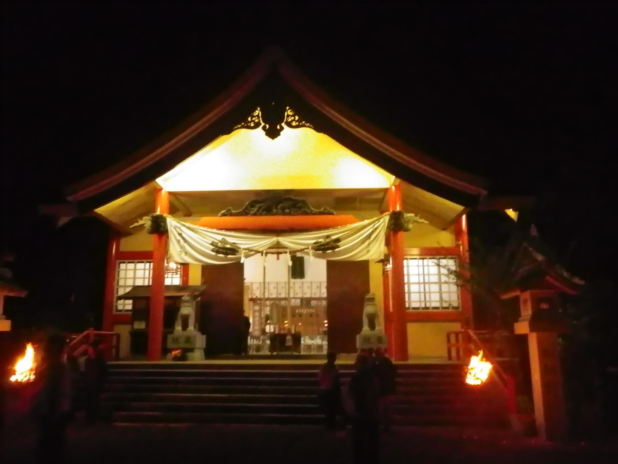 夜の尾崎神社